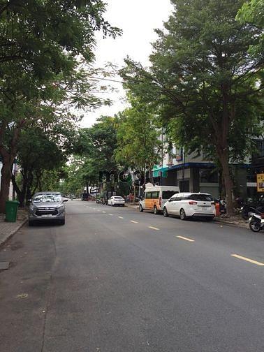 Giá tốt mùa dịch! Bán nhà phố khu Hưng Gia, Phú Mỹ Hưng 5PN, nhà đẹp