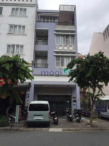 Nhà phố kinh doanh khu Hưng Gia, mặt tiền đường lớn ở Phú Mỹ Hưng